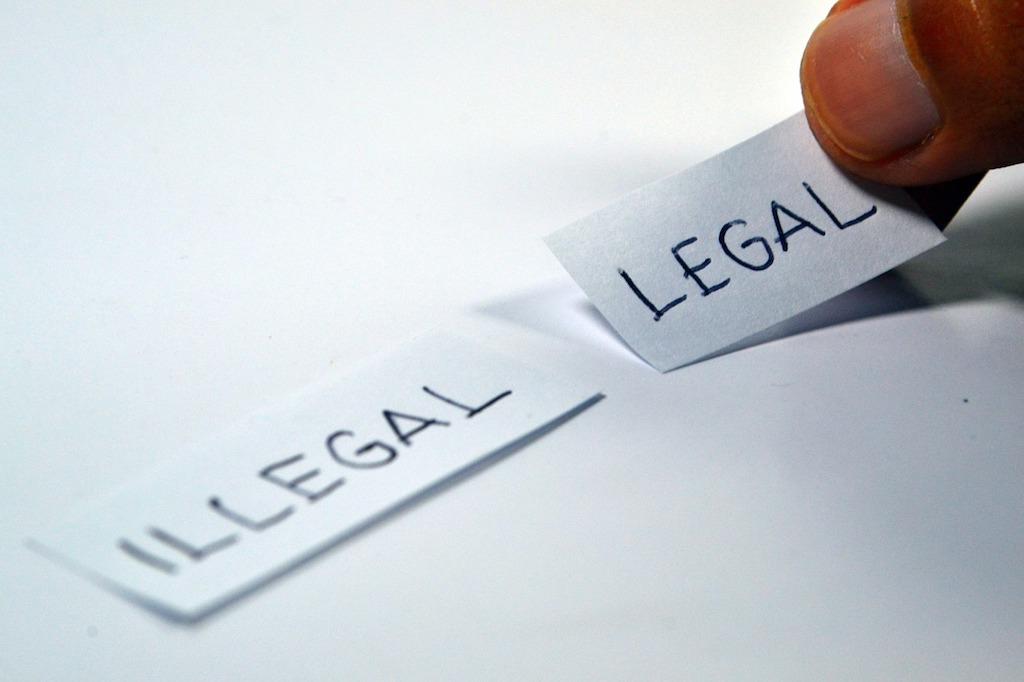 オンラインカジノは違法?合法?実際のところ