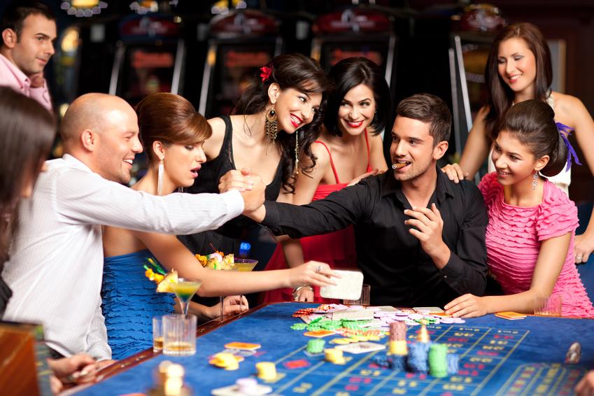 カジノは英語が話せないと遊べない?