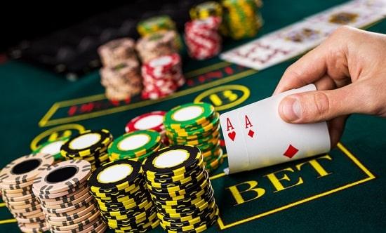 カジノで遊べるゲーム「ポーカー」