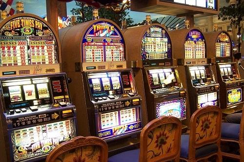 カジノで遊べるゲーム「スロット」