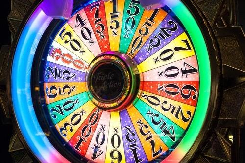 カジノで遊べるゲーム「ホイールオブフォーチューン」