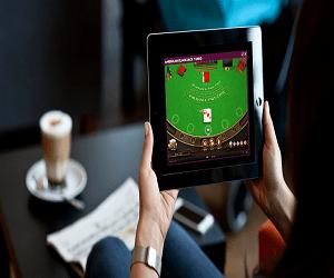 オンラインカジノは24時間365日遊び放題